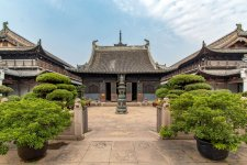 Shanghai is More Than Money: These Nine Temples Prove It